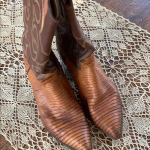 Women's Justin boots.  Lizard skin stunners.